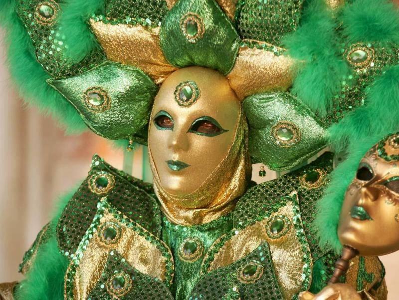 Maske I0rn9mnb